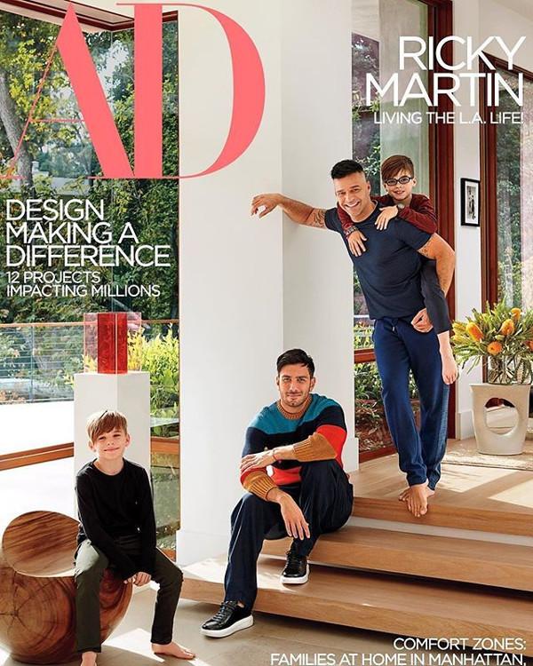 La copertina di AD: Ricky Martin con il marito e i figli