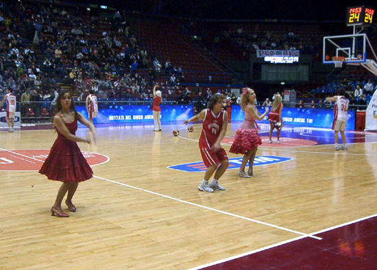 "Il cast di ""High School Musical""al Mediolanum Forum durante l'esibizione"