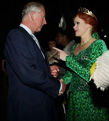 Il Principe Carlo con il cast di Shrek
