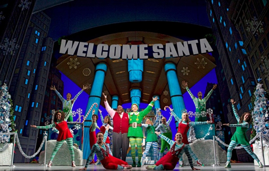 "Una foto di scena da ""Elf the musical"""