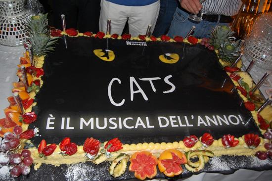 La torta della festa dei gatti Jellicle dopo l'ultima replica a Roma