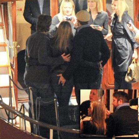 ... il palpeggio a Jennifer Aniston