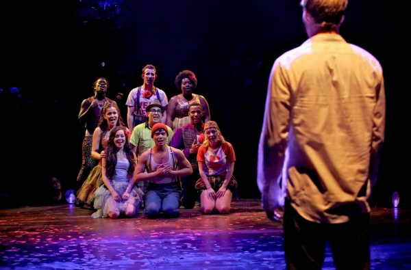 "Una foto di scena di ""Godspell"" a Broadway"