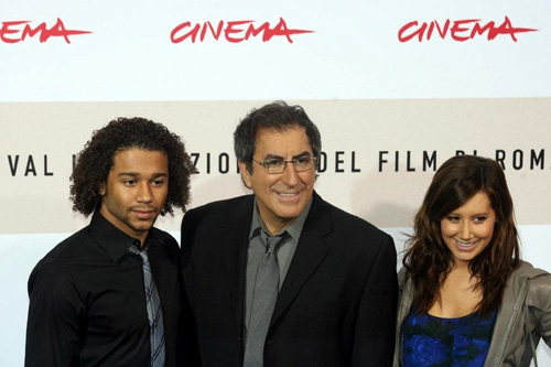 Cornin Bleu, Kenny Ortega, e Ashley Tisdale,