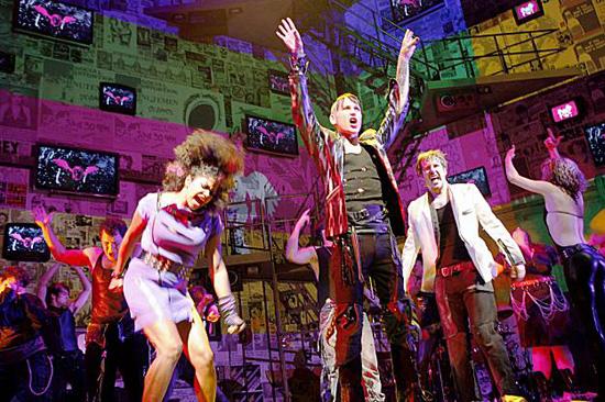 Una foto di scena dal musical