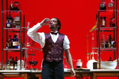 Una foto di scena da 'Jekyll & Hyde'