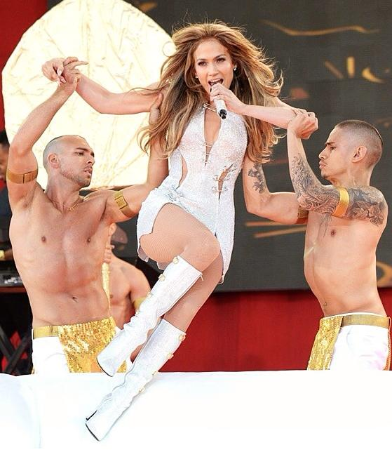 Jonathan Redavid (a sinistra) con Jennifer Lopez