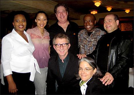 Membri del cast con il Presidente della Disney Theatricals  Thomas Schumacher