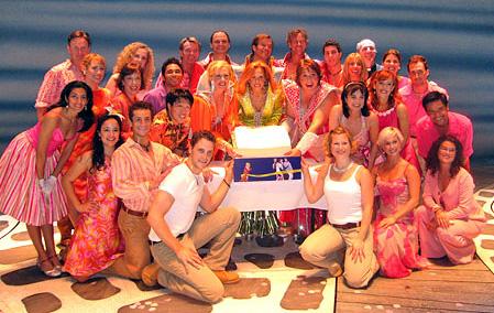 La Compagnia festeggia a Broadway (foto di Aubrey Reuben da playbill.com)