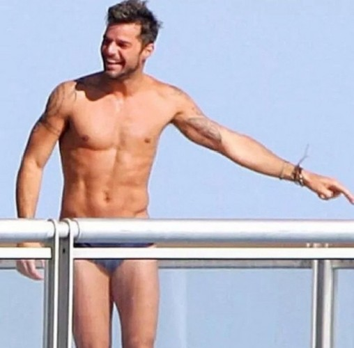 Prova costume superata per Ricky Martin