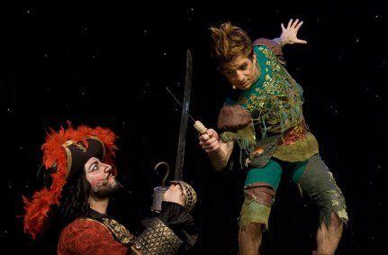 Nicolas Tenerani (Uncino) e Massimiliano Pironti (Peter Pan)