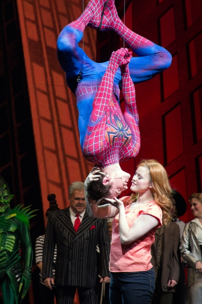 "1000 repliche per ""Spider-Man Turn Off the Dark"" a Broadway"