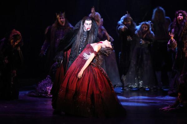 """Filippo Strocchi in Tanz Der Vampire"""" a Vienna"""