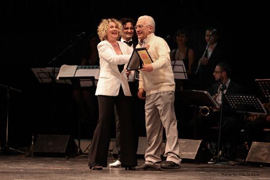 Rossana Casale premia Saverio Marconi al Tip Tap Show