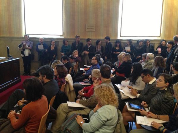Parte del pubblico presente alla conferenza stampa del Teatro della Luna a Palazzo Marino
