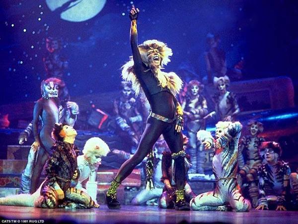 """Foto di repertorio del personaggio di Rum Tum Tugger in """"Cats"""""""