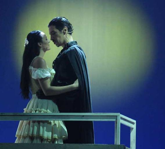 Una foto di scena da Zorro  (by Federico Riva): Alberta Izzo e Michel Altieri
