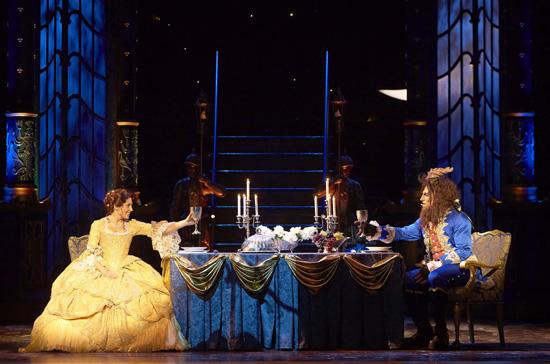 Una foto di scena dell'edizione di Milano, con Arianna e Michel Altieri